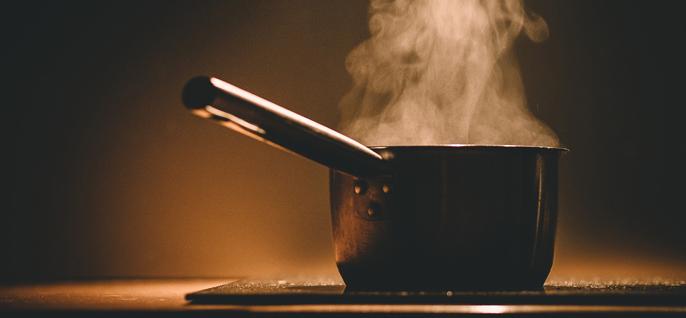 Veja como você coloca sua saúde em risco enquanto cozinha